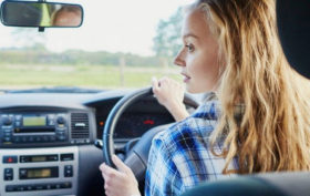 Chois d'assurance auto pour les jeunes conducteurs